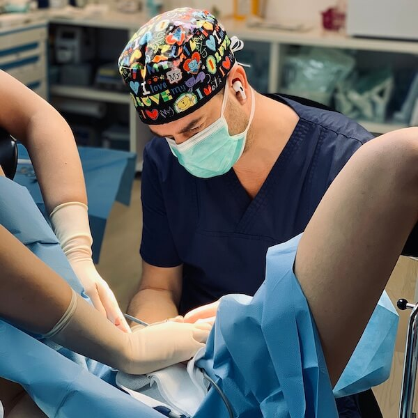 Dr. Levy chirurg plastician Labioplastie Rejuvenare Vaginala Bucuresti Timisoara
