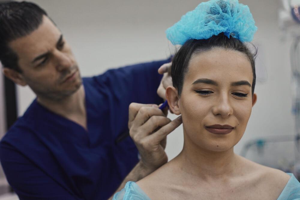 Operatie Otoplastie corectie urechi clapauge, decolate, Bucuresti, Timisoara, Romania